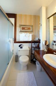 Bessie Strauss Room - King Room with Ocean View