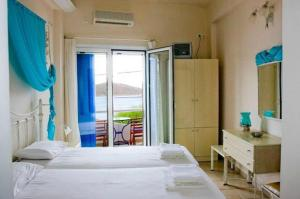 Photo of Hotel Cyclades