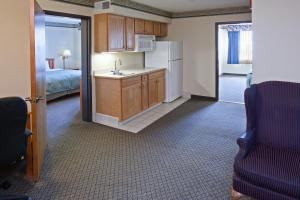 Two-Bedroom King Suite - Disability Access
