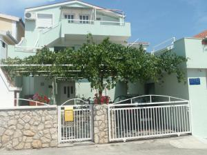 Photo of Apartments Otok
