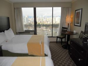 Deluxe Double Room with Two Double Beds with City View