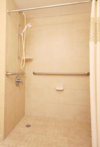 Double Room with Bath Tub - Disability Access