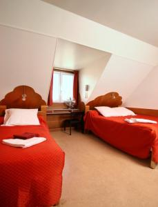 Budget Double Room with Shared Shower