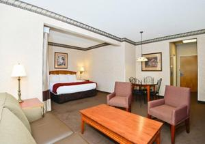 King Suite with Sofa Bed and Spa Bath - Non-Smoking