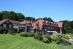 Photo of Sandy Cove Hotel
