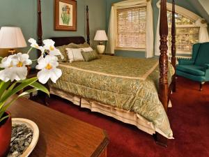 Queen Superior Manor Room - Breakfast and Dinner Included