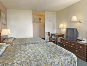 Howard Johnson Express Inn - Redding - Redding, CA 96002 - Photo Album