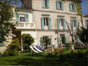 Photo of Au Saint Roch   Hôtel Et Jardin