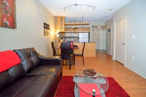 Deluxe One-Bedroom Apartment - 250 Wellington Street
