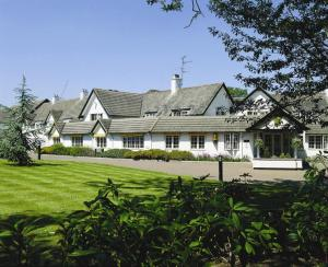 Basingstoke Country Hotel - The Hotel Collection in Hook, Hampshire, England