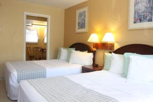 Double Room with Kitchenette and Partial Ocean View