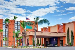 Photo of Holiday Inn Hotel & Suites Tucson Airport North