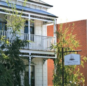Photo of Captains Retreat B&B, Cottages And Apartments