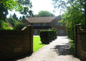 Tanglewood Guest House in Crawley, West Sussex, England