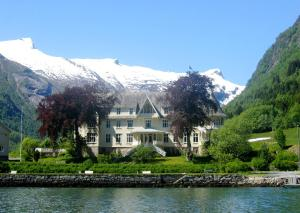 Photo of Hotel Mundal