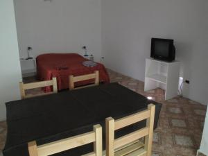 Studio Apartment (2 Adults)