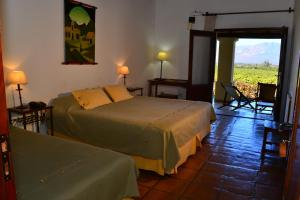 Triple Room with vineyards view