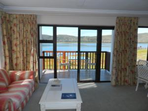Superior Suite - Lake Facing - 16