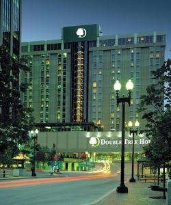 Double Tree By Hilton Hotel & Executive Meeting Center Omaha Downtown