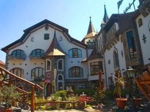 Photo of Hunter Prince Castle & Dracula Hotel