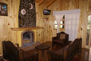 Chalet (8 Adults)