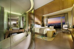 Wyndham Grand Qingdao, Hotels  Huangdao - big - 2