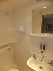 Triple Room with private toilet and shower