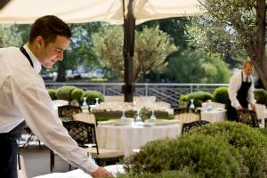 Four Seasons Hotel des Bergues Geneva - 5 of 46