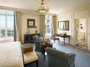 King Room with Eiffel Tower View