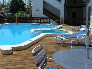 The Beach Condominium Hotel Resort, Aparthotely  Traverse City - big - 20