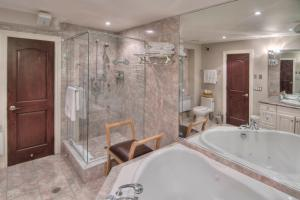 Family King Suite with Spa Bath