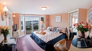 Ocean Breeze Executive Bed and Breakfast, Bed and Breakfasts  North Vancouver - big - 17