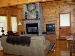 Six Bedroom Log Cabin