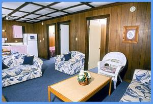 Buccaneer Motel & Beach Suites