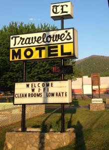 Travelowes Motel   Maggie Valley