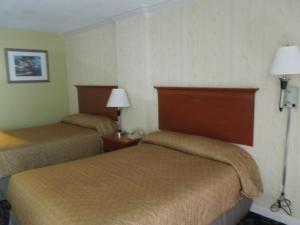 Double Room With Two Double Beds with Sea View