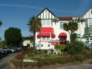 Benbows Guest House in Paignton, Devon, England