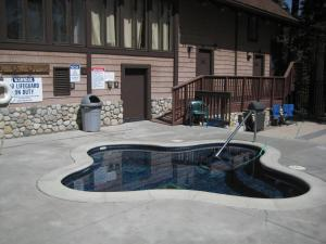 Val d`Isere by Mammoth Reservation Bureau - Mammoth Lakes, CA CA 93546 - Photo Album