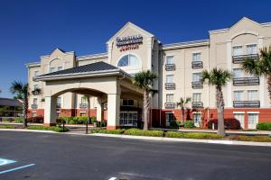 Fairfield Inn & Suites By Marriott Charleston North/Ashley Phosphate