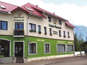 Lázár Pension & Restaurant
