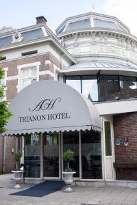 Photo of Budget Trianon Hotel