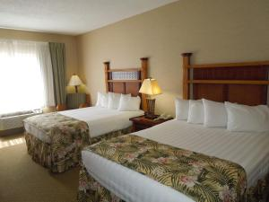 Queen Room with Two Queen Beds with Access to Water Park