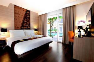 Photo of B Hotel Bali & Spa