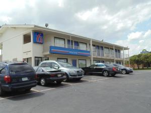 Photo of Motel 6 Denton