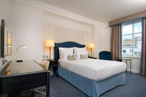 Quarto Queen Superior Hilton