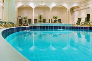 Moscow Marriott Grand Hotel - 8 of 28