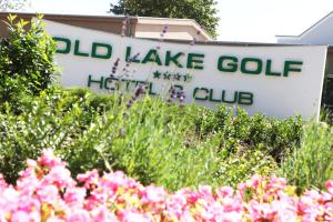 Old Lake Golf Hotel: hotels Tata - Pensionhotel - Hotels