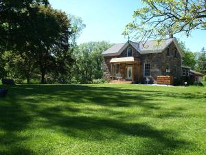 Photo of Red Fox Acres Bed And Breakfast