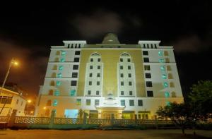 Photo of Grand Puteri Hotel
