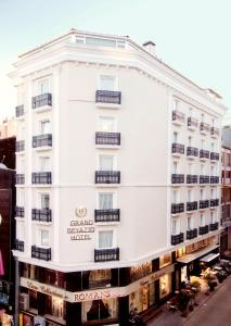 Photo of Grand Beyazit Hotel